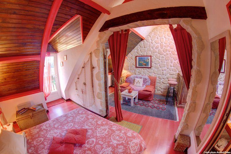 big_le-manoir-des-quatre-saison-appart-chambre-rouge_202
