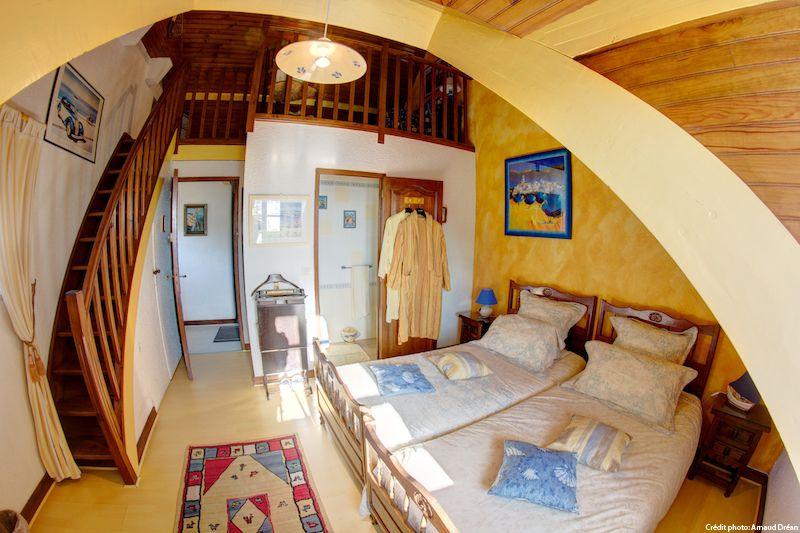 big_le-manoir-des-quatre-saison-chambre-jaune_202