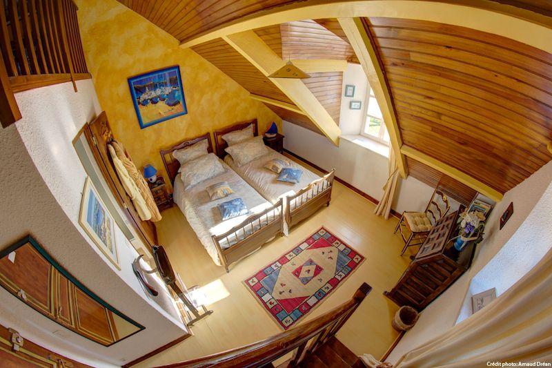 big_le-manoir-des-quatre-saison-chambre-jaune_205